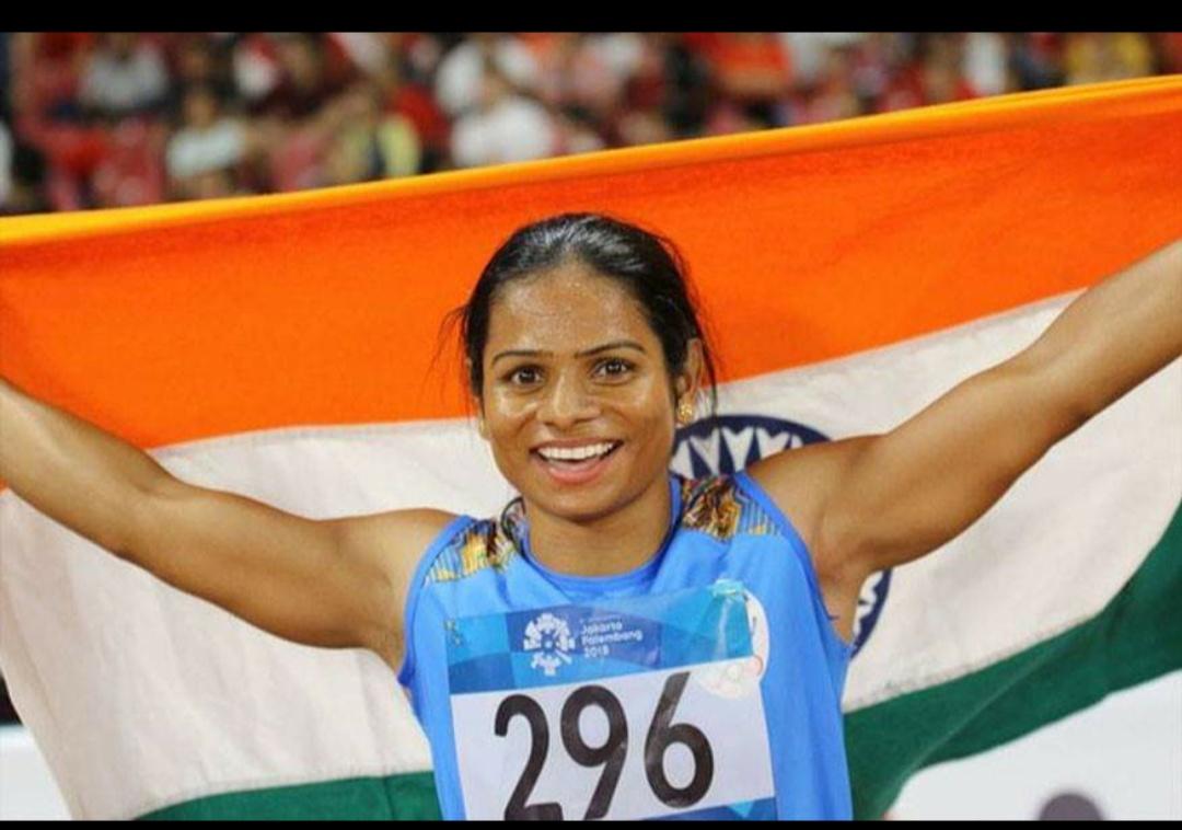 रांची: स्टार धाविका दुती चंद (Dutee Chand)ने शुक्रवार को 59वीं राष्ट्रीय ओपन एथलेटिक्स चैम्पियनशिप (National Open Athletics Championship) में अपना ही राष्ट्रीय रिकॉर्ड तोड़कर महिला 100 मीटर स्पर्धा का स्वर्ण पदक अपने नाम किया. दुती ने स्पर्धा के सेमीफाइनल में 11.22 सेकेंड के समय से इस साल अप्रैल में एशियाई चैम्पियनशिप में 11.26 सेकेंड के रिकॉर्डको तोड़ दिया. वह पिछले रिकॉर्डमें रचिता मिस्त्री के बराबर थीं.